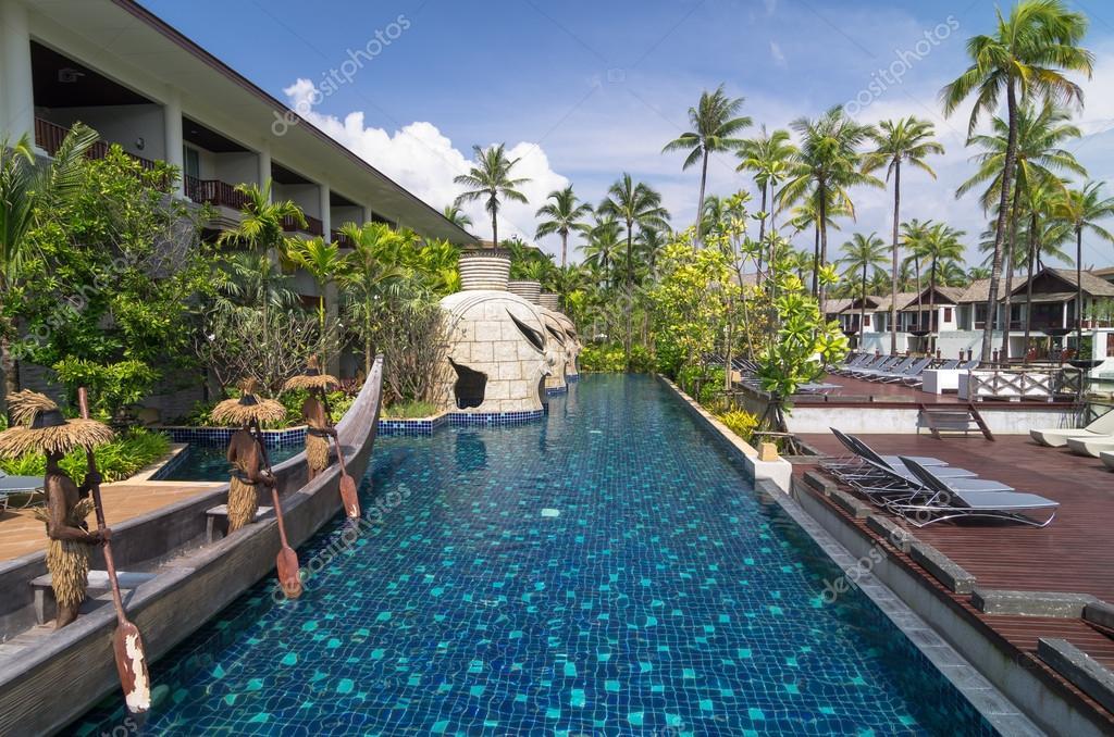 Khaolak tha lande 31 oct architecture ext rieur avec for Piscine a debordement thailande