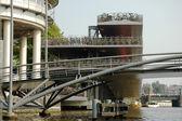 アムステルダムでの大型駐車場自転車 — ストック写真