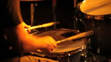 Musician in concert, hands playing the drums — Stock Video