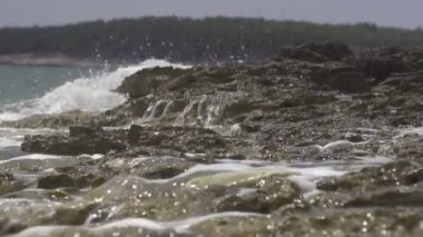 Tube wave breaks over the camera — Video Stock