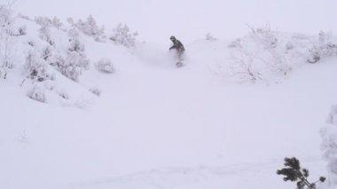 Snowboarding in Alps — Vídeo Stock
