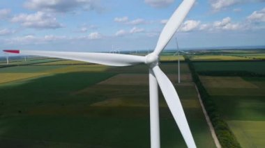 Wind turbine — Stock Video
