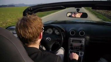 Young businessman driving — Vídeo de Stock