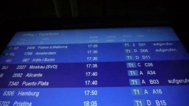 Departure board — Stock Video
