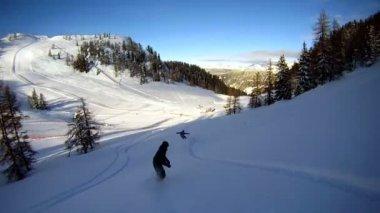 Fresh snow snowboarding — Stock Video