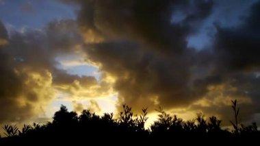Evening cloud time-lapse — Stock Video