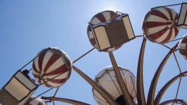 Attraction in amusement park — Stock Video