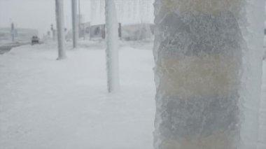 Freezing rain in traffic — Stock Video