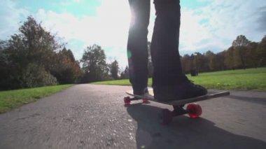 Female longboarding — Stock Video