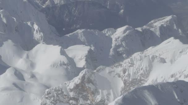 Montañas en invierno — Vídeo de stock