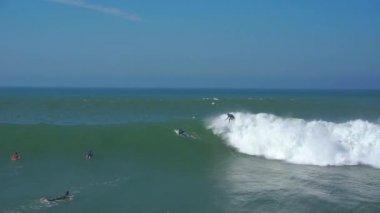 サーフィンの大きな波 — ストックビデオ