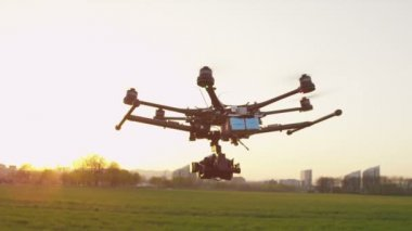 Multicopter flying forwards — Stockvideo