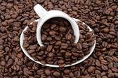 Xícara de café com feijão — Fotografia Stock