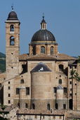 The bell tower and the dome of the cathedral of Urbino, Marche, Italy — Stock Photo