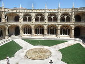 Cloister of Jeronimos Monastery, Lisbon, Portugal — Stock Photo