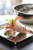 Fresh spring rolls with shrimp — Stock Photo