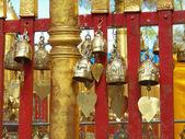 寺内的佛教铃声 — 图库照片
