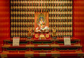 The statue of Buddha in Chinese Buddha Tooth Relic Temple — Stockfoto