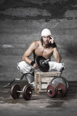Portrit of handsome muscle man — Stock Photo