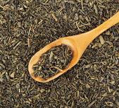 Tè verde e il cucchiaio di legno — Foto Stock