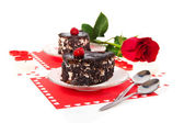 Chocolate cherry cakes and red rose in Valentine's day isolated on white — Stock fotografie