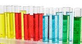与化学液体瓶 — 图库照片