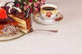 Bolo de chocolate e chá — Foto Stock