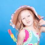 Little girl with ice cream — Stock Photo #47126963
