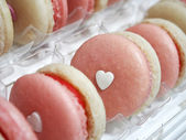Strawberry french macarons with heart — Foto Stock