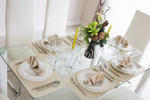 Clear white decoration table for meal — Stockfoto