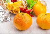 Dulce mandarina fresca en la mesa de la cocina — Foto de Stock