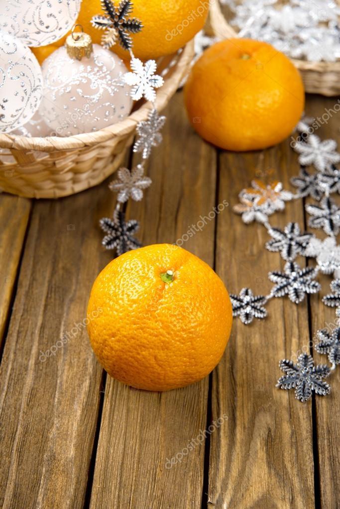 Mandarino fresco dolce sul tavolo della cucina — foto stock © nata ...