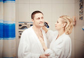 Man shaving electric razor — Stock Photo