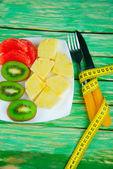 Taze tropikal meyve ananas, greyfurt, kivi — Stok fotoğraf