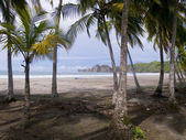 Beautiful deserted tropical beach near Samara in Costa Rica — Stock Photo