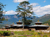 View of a monastery in Jakar in the Bumthang valley (Bhutan) — Stock Photo