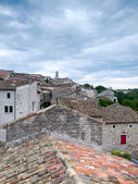 View over the rooftops of the ancient city of Balazuc in France — Stockfoto