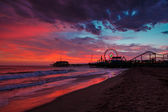 Santa Monica Pier at sunset — Stock Photo