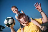 Father with son playing ball — Stock Photo