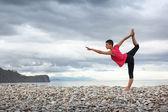 йога на открытом воздухе — Стоковое фото