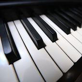 Piano keyboard closeup. — Stock Photo