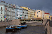 River boat on the river Moika in St Petersburg, Russia — Stock Photo
