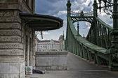 Green Bridge in Budapest — ストック写真