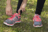 Tying the sport shoes — Stockfoto
