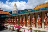 Penang, Malaysia: Buddhas at Kek Lok Si Temple — Stock Photo