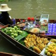Samut Songkram,Thailand: Boat Vendor at Damnoen Saduak Floating Market — Stock Photo