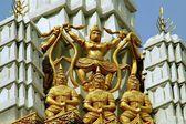 Bangkok, Thailand: Four Gilded Figures at Wat Chaichana Songkhram — Foto Stock