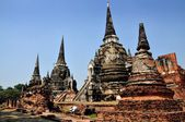 Ayutthaya, Thailand: Bell-shaped Chedis at Wat Phra Si Sanphet — Stock Photo