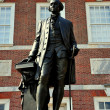 Philadelphia, PA: George Washington Statue at Independence Hall — Stock Photo
