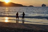Patong, Phuket, Thailand: Sunset at Patong Beach — Stock Photo